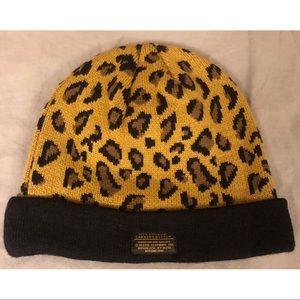 10 Deep Leopard Knit Beanie